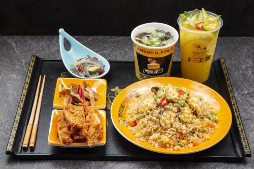 饭主播茶油炒饭:一家不简单的快餐店